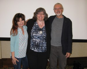 The artist with the founders of Zentangle Maria Thomas and Rick Roberts at the Teacher Training course